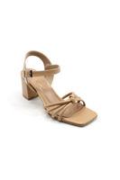 Selsan Özr Şeriti Bağlı Kalın Topuk Kemerli Sandal TEN